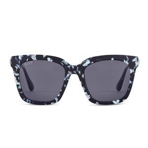 Diff Eyewear Accessories - Diff Eyewear Bella Sunglasses with gray shades